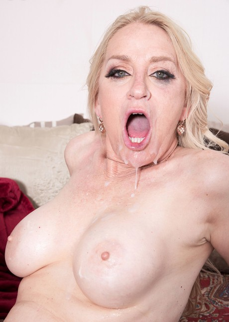 Mature woman Robin Pachino drips sperm from mouth after going A2M with a BBC